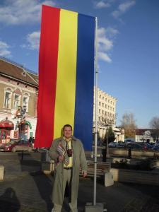 Provocatorul Alexandru Bălan Belgrădeanu compromite tricolorul românesc